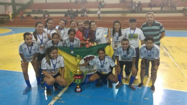 523a426df0 04 07 2017 Afronavi Foi a grande campeã da 6ª Copa Cidade de Futsal Feminino  Aconteceu na noite da última quarta-feira (28)